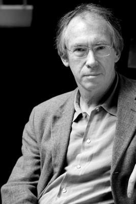 Conversations with Ian McEwan - McEwan, Ian, and Roberts, Ryan (Editor)