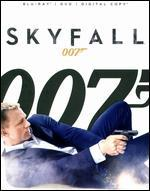 Skyfall [2 Discs] [Includes Digital Copy] [UltraViolet] [Blu-ray/DVD]