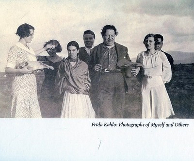 Frida Kahlo: Photographs of Myself and Others - Wolf, Vincente