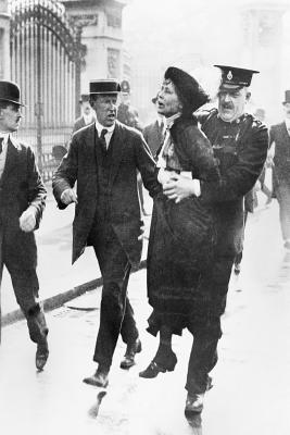 Suffragette: Mrs. Pankhurst's Own Story - Pankhurst, Emmeline