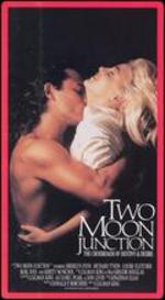 Two Moon Junction [Blu-ray]